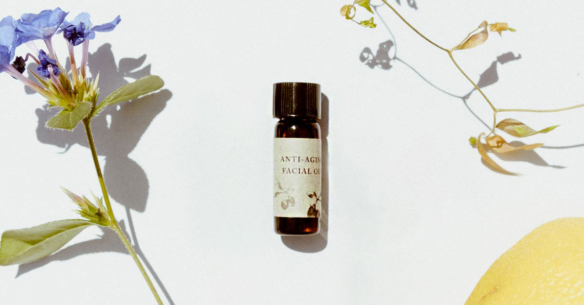 Anti-Aging Facial Oil: A FREE sample to moisturize and promote flawless skin