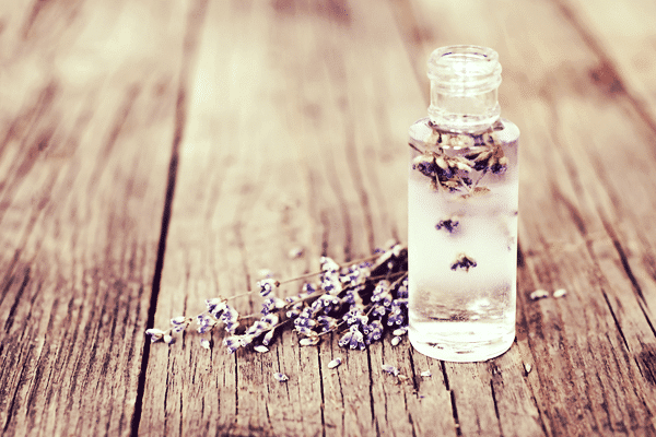 How to Use an Essential Oil Blend