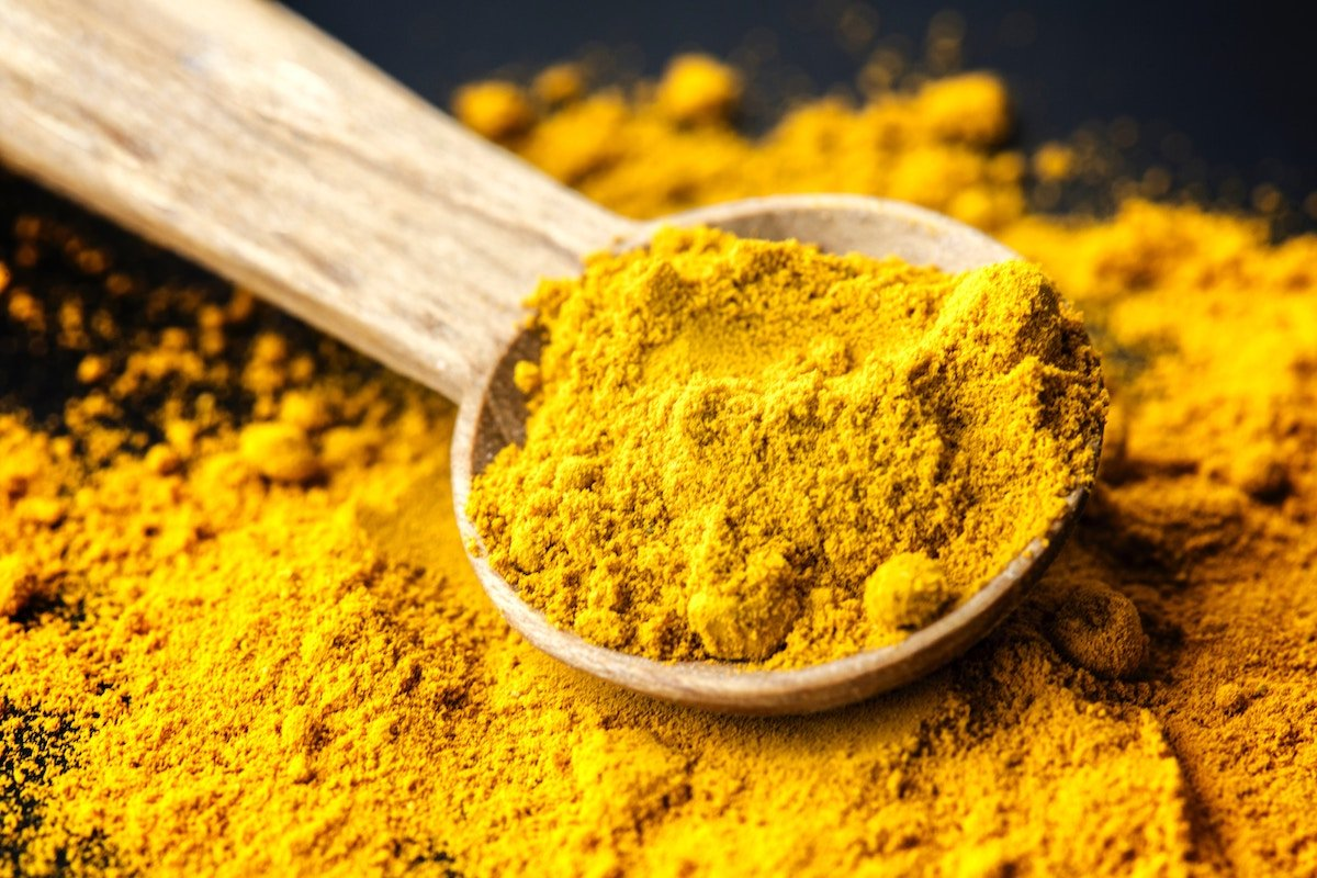 Turmeric: 4 Ways This Golden Root is Great For Your Skin 1