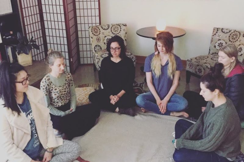 We Heart: The Do's and Don'ts of Meditating 1