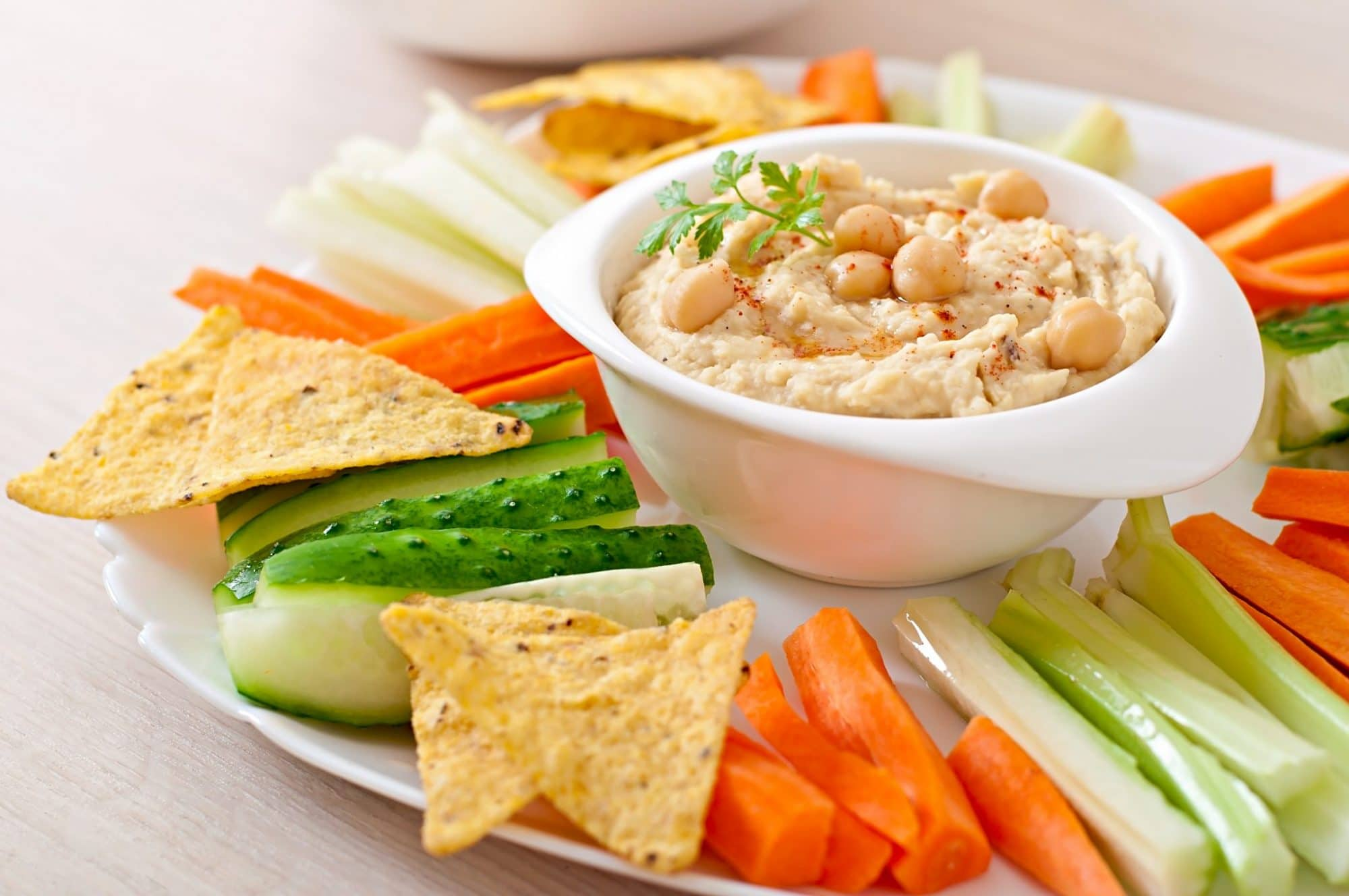 Top 6 On-The-Go Snacks to Drop Pounds