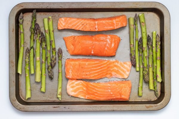 foods that reduce breakouts - fish