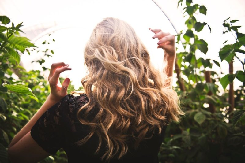 Oil Training Your Hair: Why We've Ditched Shampoo for the No-Poo Movement