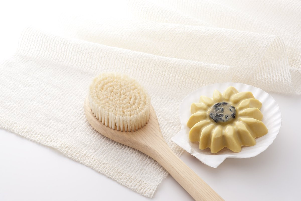 Why I Started Dry Brushing My Face (And Why You Should Too)