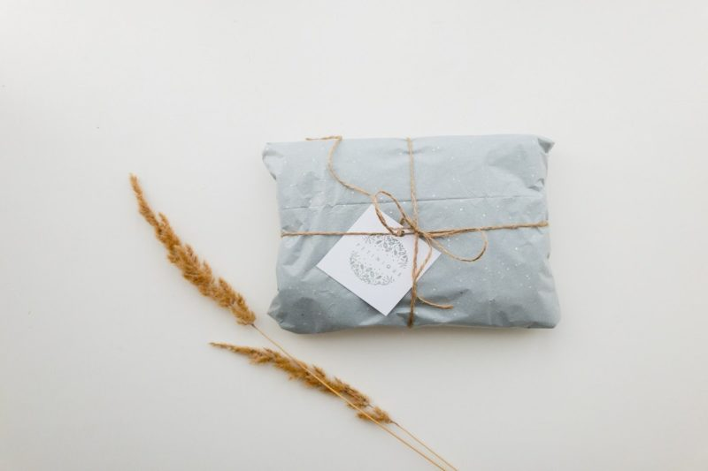 10 Clever Zero Waste Gift Wrapping Ideas 3