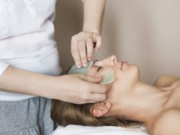 What is a Gua Sha Facial and How To Use The Tool On Yourself