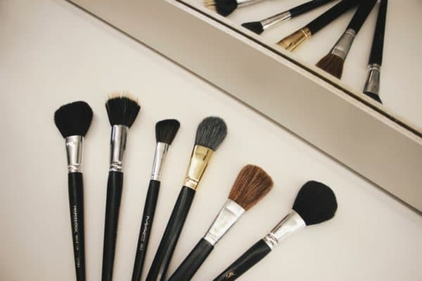 DIY How to Clean Your Makeup Brush 1